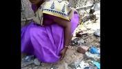 Video Bokep Terbaru Desi gf aunty pee capture